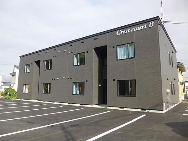 Crest court B