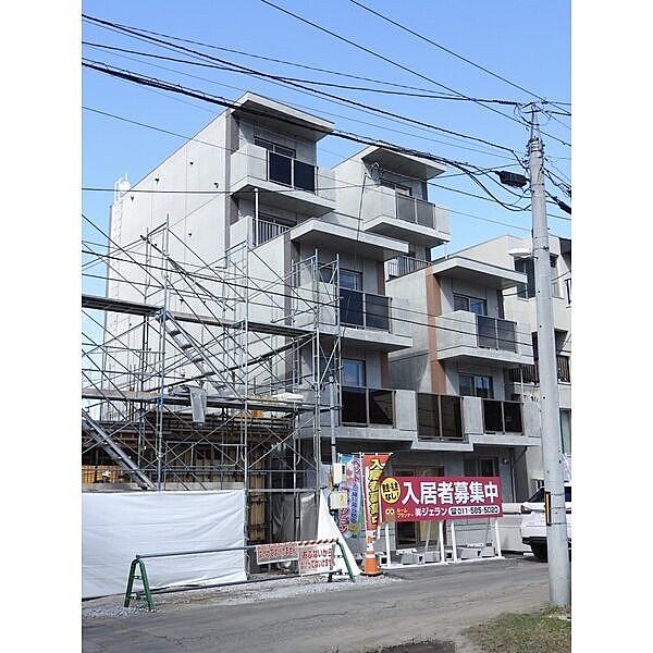 札幌市中央区南十五条西のマンション